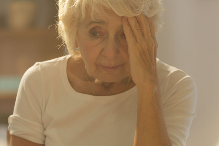 elderly woman experiencing memory problems